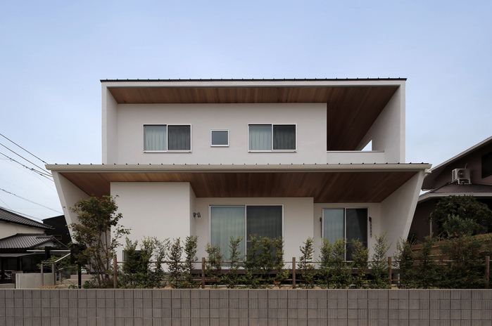 レッドシダー・アイアンの 家